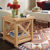 Country Lodge End Table in Natural Honey Pine, 22'' W x 22'' D x 22'' H