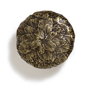 Bark, Leaves & Rocks Collection 1-5/8'' Diameter Round Large Leaves Knob in Antique Brass, 1-5/8'' Diameter x 1'' D